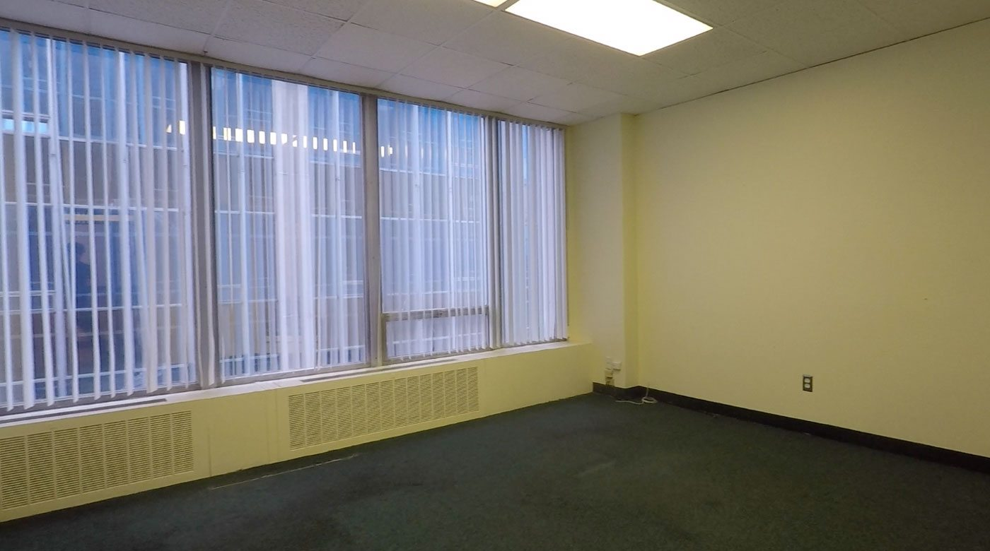 409E Conference Room - 205 sq ft